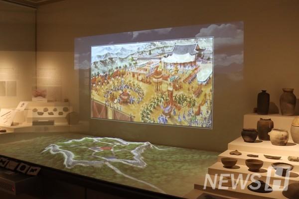 ▲博物馆为了提供各种各样的体验,正在企划活动。按各展览品前面的按钮,则相关影像就会被播放。ⓒ白智贤记者